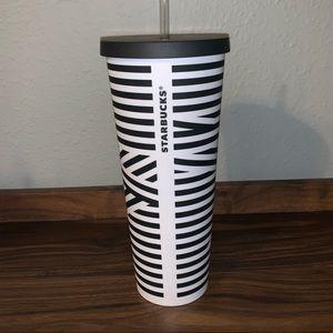 Starbucks venti cup 🖤🤍